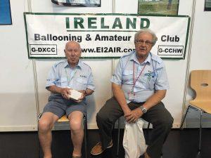 A1-667: BARC: Ballooning & Amateur Radio Club of Ireland, un club cu acronim haios dar căruia nu i-am găsit un site de web. I-am fotografiat pe cei doi simpatici balonauți promițându-le că le voi trimite prin email fotografiile.