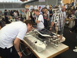 Maker Faire: Un vehicul acvatic autonom...